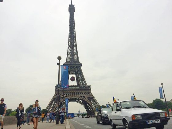 Dacia la Turnul Eiffel :)